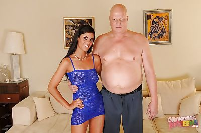 Amateur beauty Veronika Jane attains her wet crack licked and bonked by an oldman